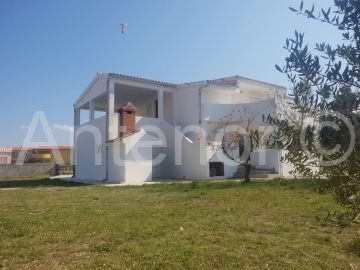 House by the sea, Sale, Vir, Vir