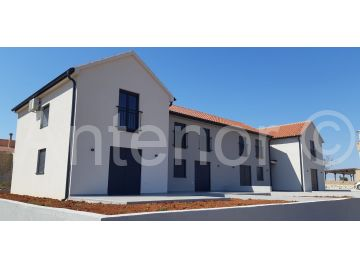 Terraced house, Sale, Nin, Nin