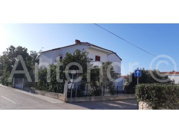 House with apartments, Sale, Vrsi, Mulo