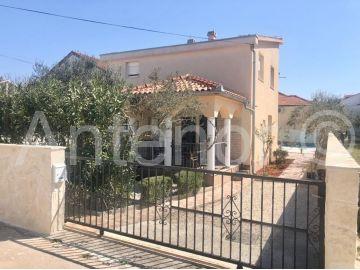 Dvojna kuća, Prodaja, Vrsi, Mulo
